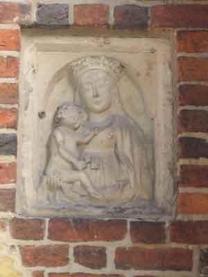 Mutter Maria mit Kind - Liebfrauenkirche