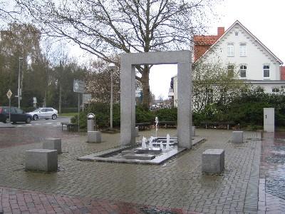 Moderner Brunnen am Rundeel - Wasserspiele