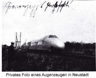 Schienenzeppelin fährt durch Neustadt