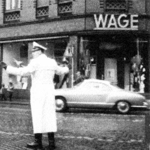 Neustadt am Rübenberge: Polizei regelt 1960 den Verkehr auf dem heutigen Heini Nülle Platz