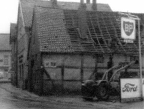 Das Haus von Dörge an der Nienburger Straße im Jahre 1967 kurz vor dem Abbruch