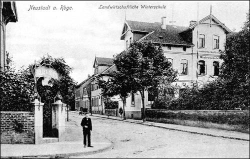 Alte Postkarte der Winterschule in Neustadt