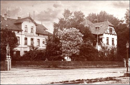 Ansicht der Winterschule auf einer Postkarte