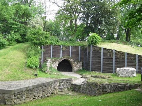 Das Tor zu dem Kasematten im Erichsberg