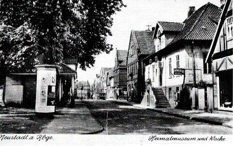 Historische Postkarte Neustadt am Rübenberge mit Blick auf Rathaus und Ratskeller