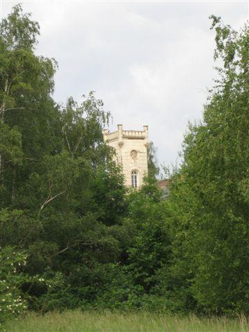 Der für die Villa in Neustadt am Rübenberge typische Turm