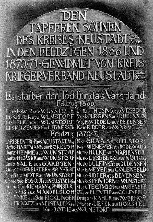 Bronzetalfe zur Erinnerung an die Gefallenen von 1866 und 1870/71 aus dem Kreis Neustadt am Rübenberge