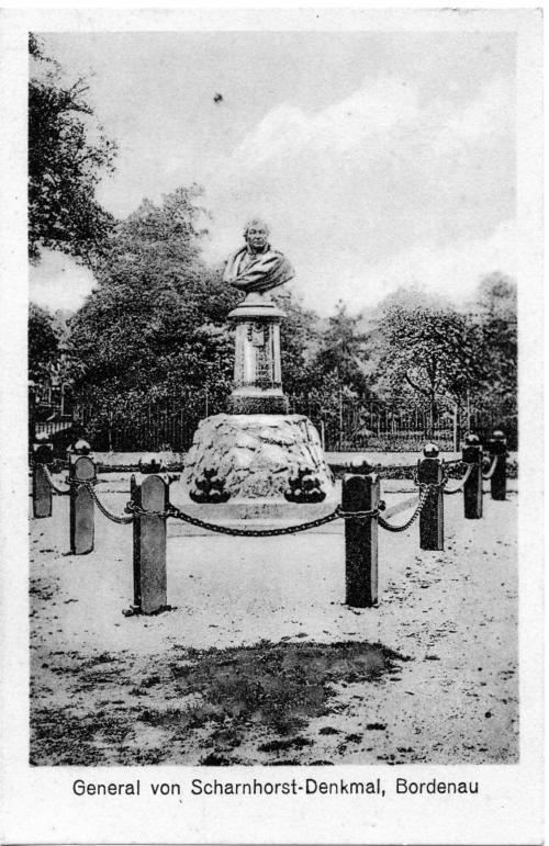 Alte Postkarte des Denkmals für Scharnhorst in Bordenau