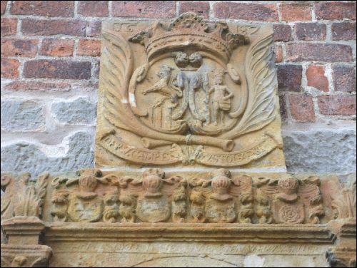 Der obere Teil des Epitaphs der von Campens an der Liebfrauenkirche - NRÜ