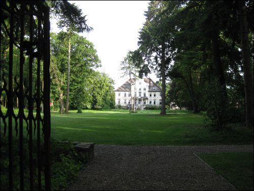 Gartenansicht des Herrenhauses der von Campen in Poggenhagen bei Neustadt, heute Gut Harms
