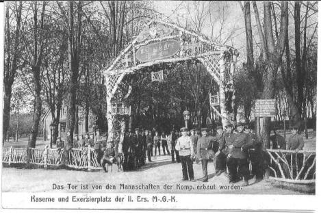 Die Bürgerhalle wird zum Kasernengelände (Postkarte Sicius)