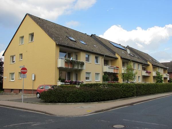 Moderne Wohnhäuser ersetzten die Stampfbeton-Bauten