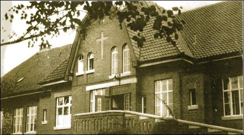 Das alte Krankenhaus in Neustadt am Rübenberge in einer alten Ansicht. Bald wird das Gebäude weichen.