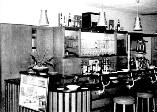 Ein moderner Tresen In der Gastwirtschaft Scheve in Neustadt am Rübenberge: 1960 wurde ein neuer Tressen fällig, auch dieser musste später einer noch moderneren und bequemeren Version weichen. (Foto:Scheve privat)