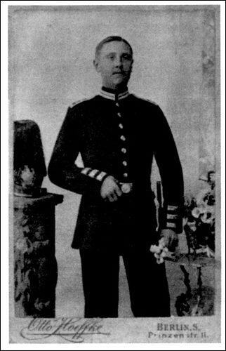 Konrad Scheve aus Neustadt am Rübenberge während seiner Militärdienstzeit um 1900 (Foto: Scheve, Privatbesitz)