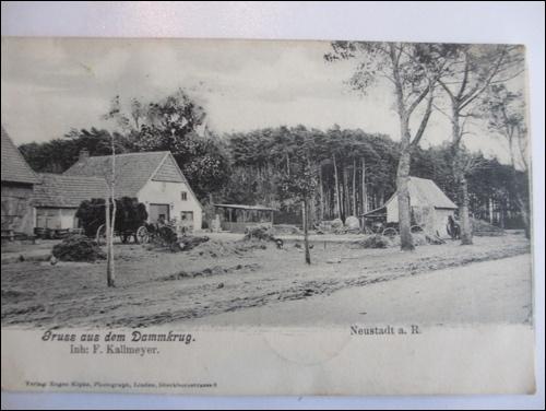 Postkarte des Dammkrugs: So etwa mag der Dammkrug ausgesehen haben, bevor Friedrich Kallmeyer 1905 einen Neubau errichten ließ. (Postkarte Hegt)