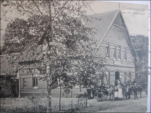 Historische Postkarte: Der Dammkrug damals. Bundesstraße 6 im Vordergrund. (Hergt)