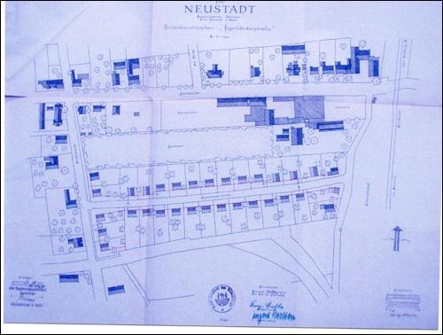 1950: Bebauungsplan Danziger Straße(hieß vormals Egerländerstraße).Hier konnten 25 Einfamilienhäuser entstehen.