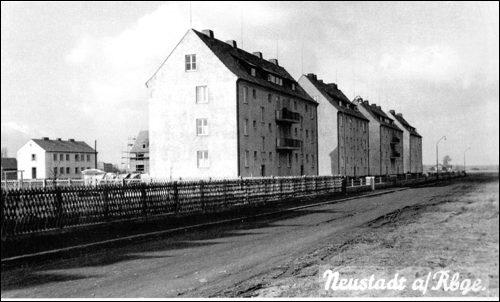 Postkarte:Die ersten 4 Wohnblöcke an Goethestraße
