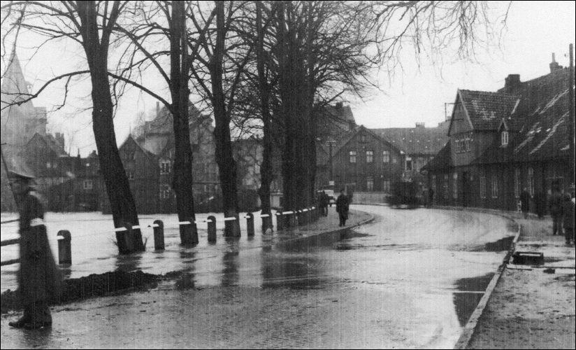 Hochwasser Zwischen den Brücken (Fotosammlung Hergt)