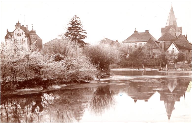 Dramatisches Hochwasser: Stadtansicht mit Hochwasser 1909